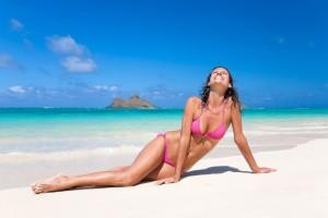 Woman-in-bikini-on-the-beach-1024x681