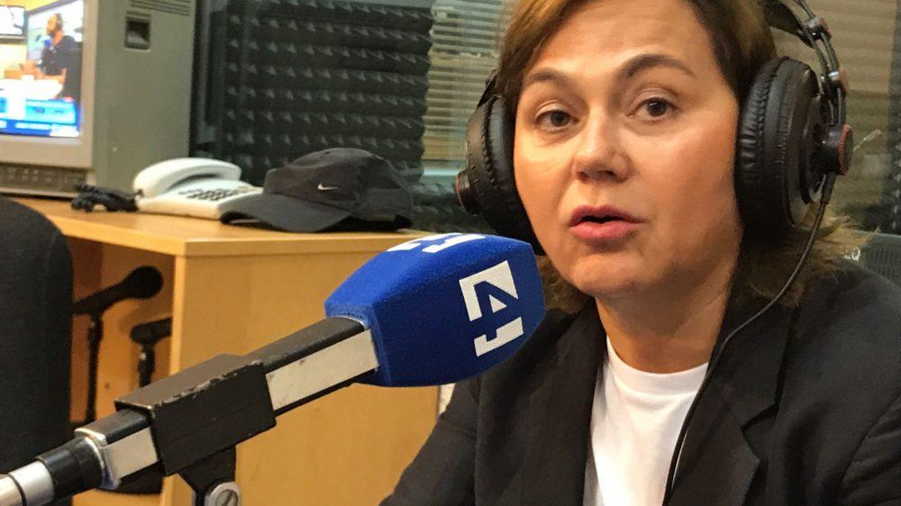 Dr. Caballero, befragt auf Channel 4-Radio die Lipolase zu diskutieren