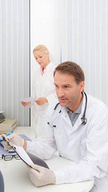 Ärztliche Untersuchung für die Erneuerung des Führerscheins: FAQ
